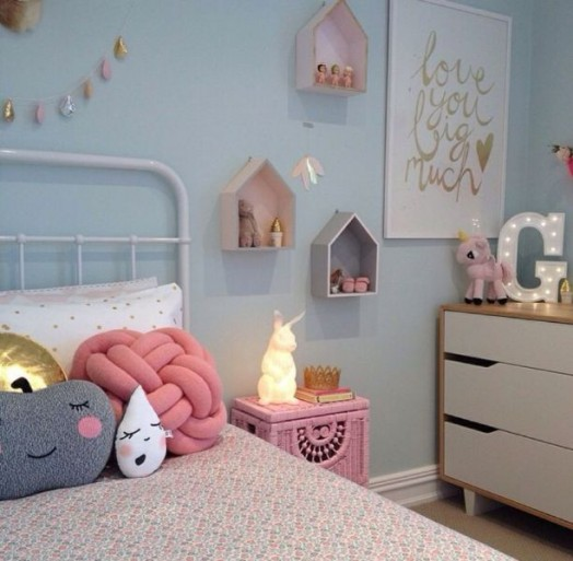 11-stylish-kids-rooms-with-pretty-little-houses-decor-10-524x513