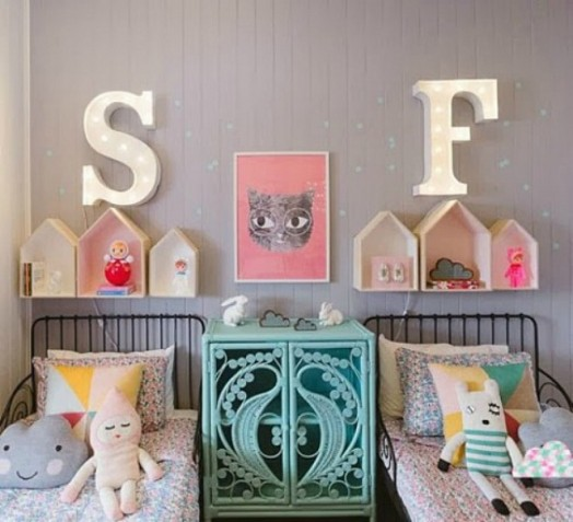 11-stylish-kids-rooms-with-pretty-little-houses-decor-11-524x477